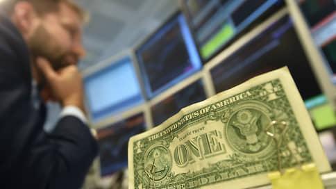 С привлекательностью денег все непросто  / Банки перестали предлагать гражданам сложные финансовые продукты