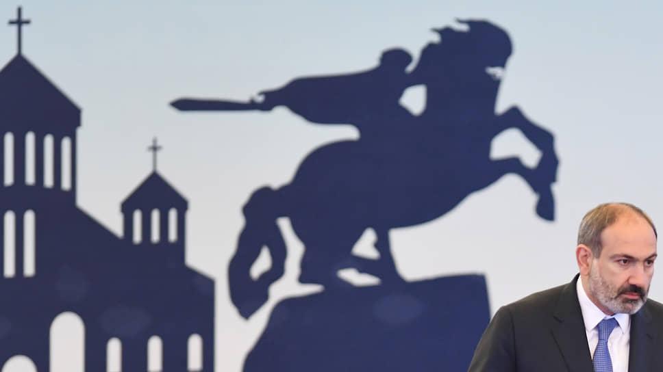 Никол Пашинян решил отдаться на милость проигравшего