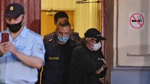 Гражданин подвел  / Расследование ДТП с участием Михаила Ефремова превратилось в шоу года