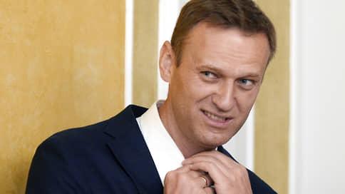 Никогда еще Алексея Навального так не ждали на родине / На его задержание по прилете претендуют ФСИН и СКР