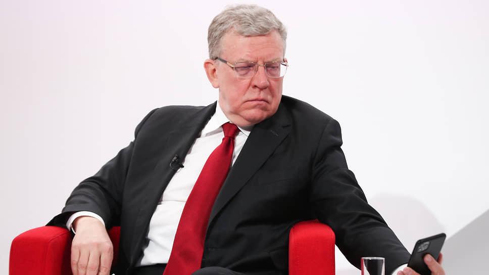 Глава Счетной палаты Алексей Кудрин на Гайдаровском форуме отметил, что правительство, хоть и минимально, но справляется с проявлениями коронакризиса