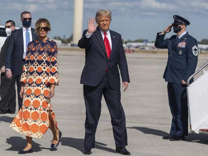 Дональд Трамп и его супруга Мелания на инаугурации Джо Байдена не присутствовали, решив заранее улететь во Флориду