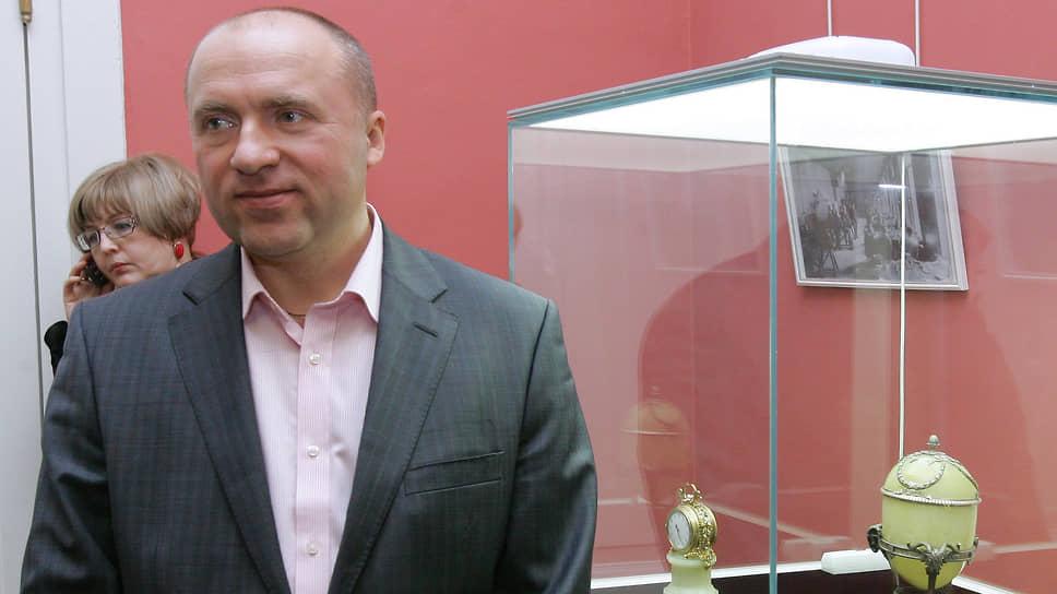 Коллекционер, арт-дилер Александр Иванов оказался мишенью скандала, рикошетом задевшего Эрмитаж