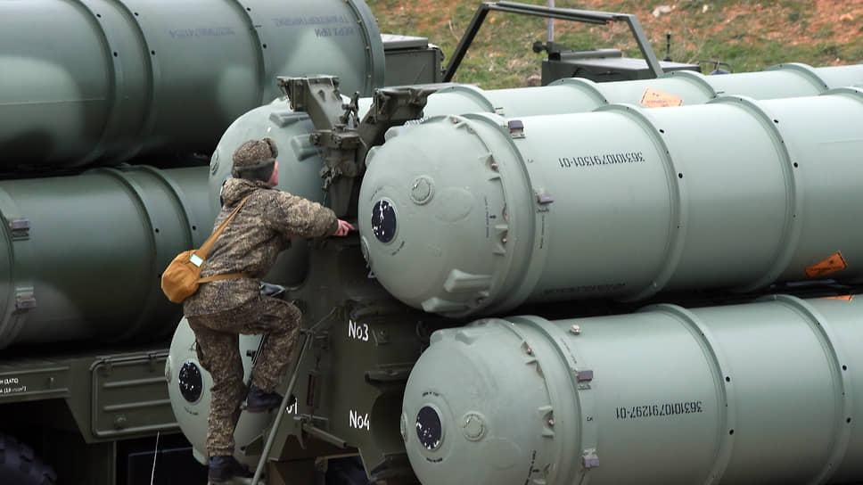 Индийским военным скоро покажут в России, как надо обращаться с зенитными ракетными системами С-400