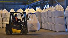 Удобрения хорошо легли  / Их производство в РФ в 2020 году поставило рекорд