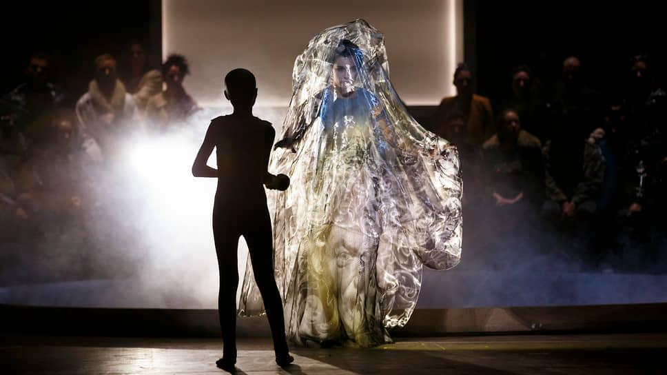 Социальные отношения с темнокожими артистами приобрели в Парижской опере непредвиденную остроту