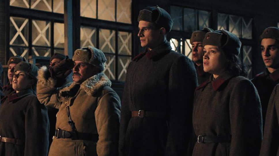 Без личного благословения товарища Сталина экранные акты героизма просто не могут состояться