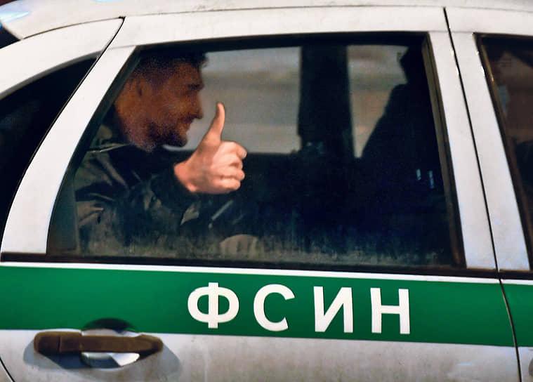 Наряду с товарищами Алексея Навального по борьбе с властью под домашним арестом по итогам протестов оказался и его брат Олег (на фото)