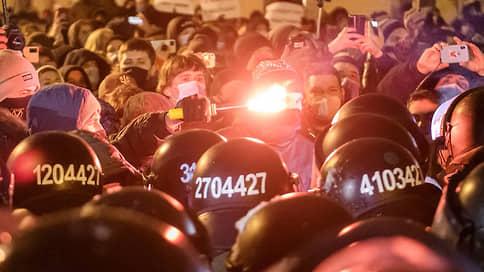 Оппозиция в Киеве разожглась не на шутку  / Петр Порошенко поддержал правых в атаке на власть