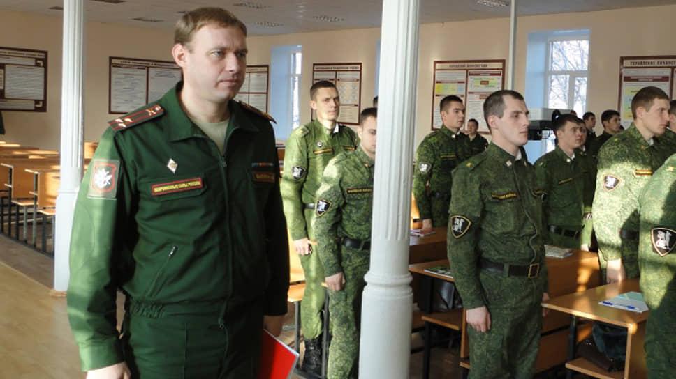 Бывший начальник отдела технического обеспечения продовольственного управления Минобороны полковник Александр Вакулин