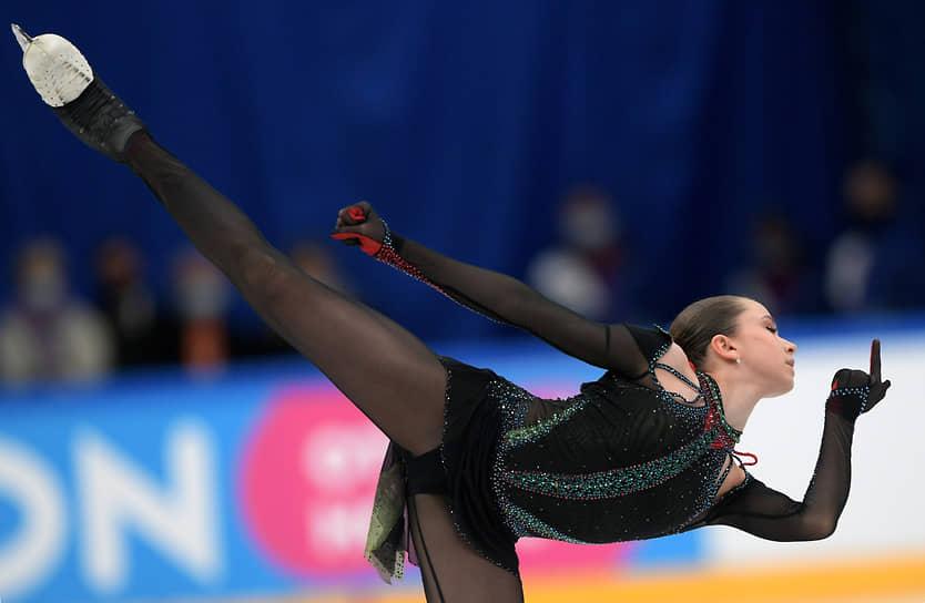 Богатый набор сложных элементов помог 14-летней юниорке Камиле Валиевой одержать победу в финале Кубка России