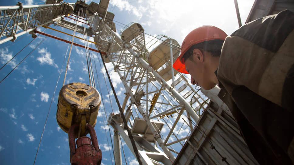 ОПЕК+ сдерживает недра / Только Россия и Казахстан увеличат добычу нефти в апреле