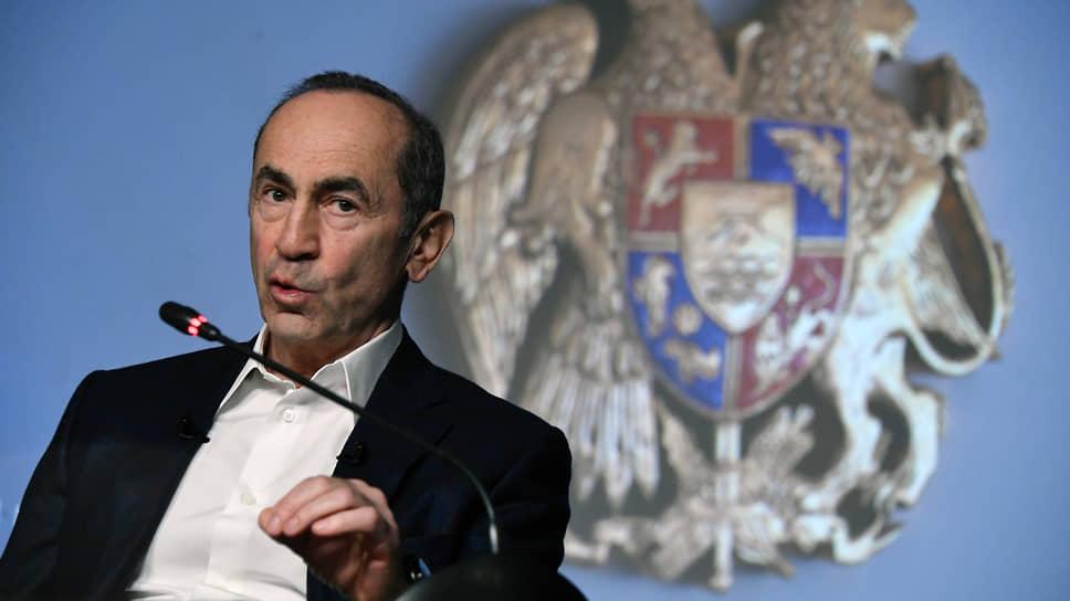 Экс-президент Армении Роберт Кочарян заявил, что готов участвовать в досрочных парламентских выборах и в случае победы снова вернуться к управлению страной