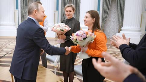 Мир хижинам, война хорькам / Как Владимир Путин, оказавшись вместе с женщинами, возненавидел уродов и букашек