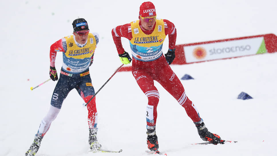 На последнем этапе эстафеты Александр Большунов «сожрал» отставание от Йоханнеса Клэбо в 30 с лишним секунд и даже вышел в лидеры, но финишный спурт остался за норвежцем