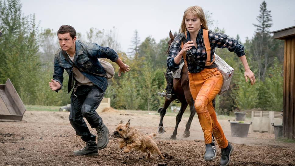 Появление на планете, где остались только мужчины, женщины (Дейзи Ридли, на фото с Томом Холландом) не избавило сюжет фильма от хаоса