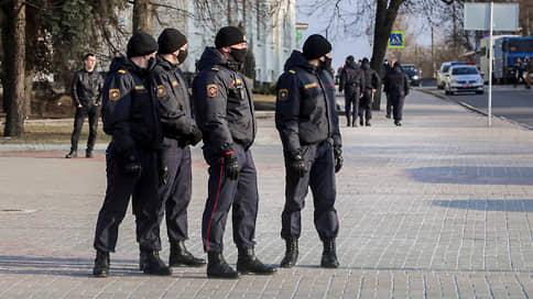 На весне как на весне // Александр Лукашенко пообещал встретить оппозицию на улицах как полагается