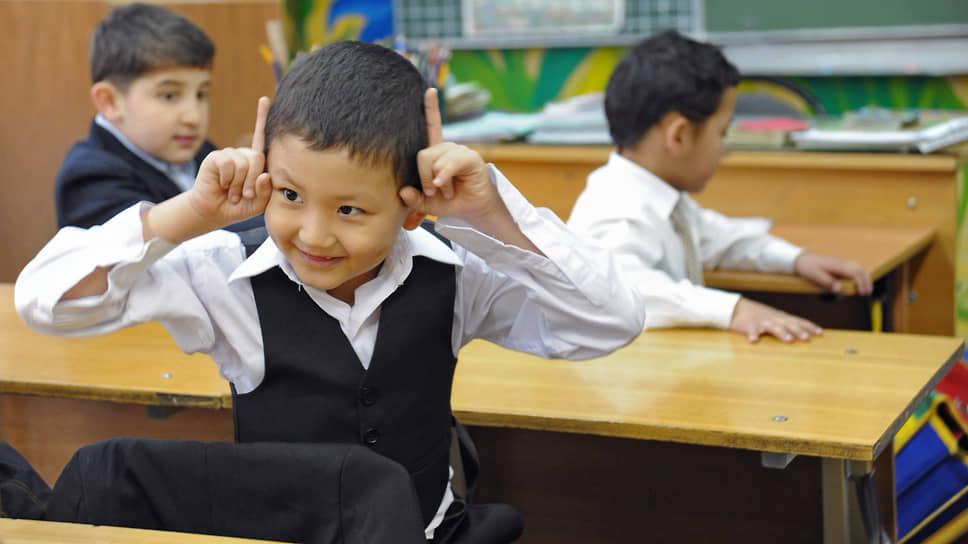 Минпросвещения намерено выяснить, какие проблемы возникают у детей мигрантов при освоении школьной программы