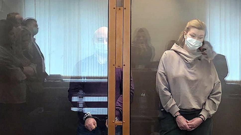 Оглашение приговора бывшему президенту Маст-банка Юрию Пирогову, вице-президенту Елене Журавлевой и начальнику кредитного управления Наталье Желобаевой