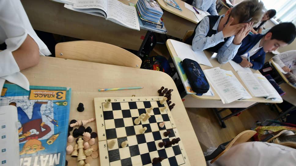 Российские школьники подтянули чтение, на очереди — задачи по математике и физике