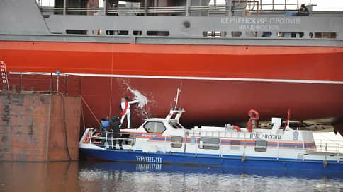 Керченский пролив встал из-за санкций // Сроки сдачи судна сдвигаются из-за отказа иностранных подрядчиков