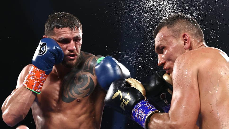 Обоюдоострый поединок Джо Смита-младшего (слева) и Максима Власова завершился победой американского боксера с мизерным перевесом