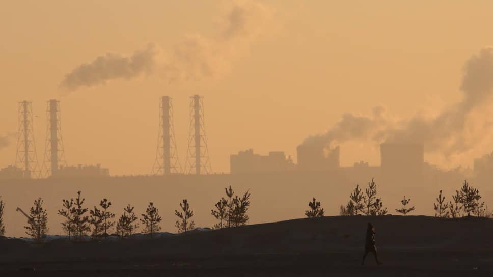 Критики принятого Госдумой в первом чтении законопроекта об ограничении выбросов парниковых газов считают, что он излишне мягок по отношению к бизнесу