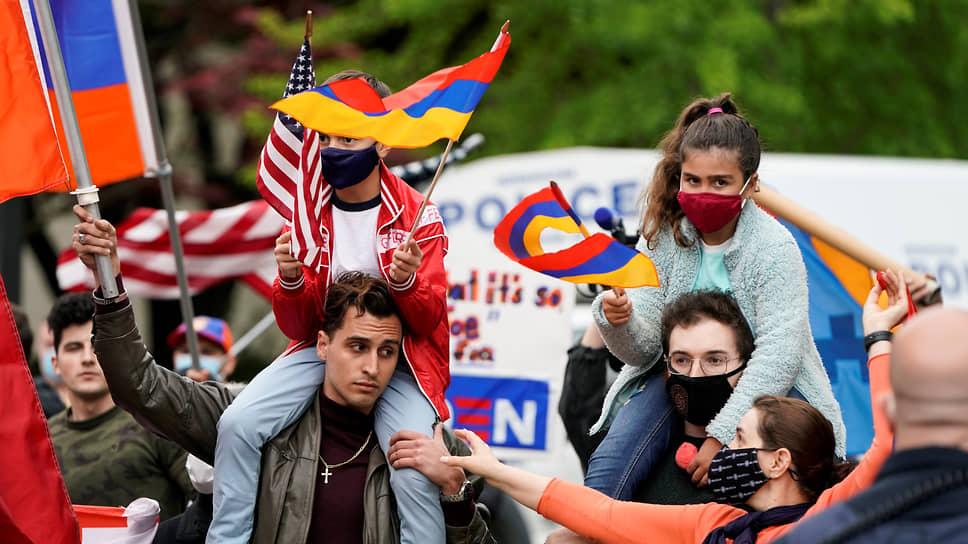 Признание президентом США геноцида армян в Османской империи вызвало ликование в Армении и в армянской диаспоре по всему миру