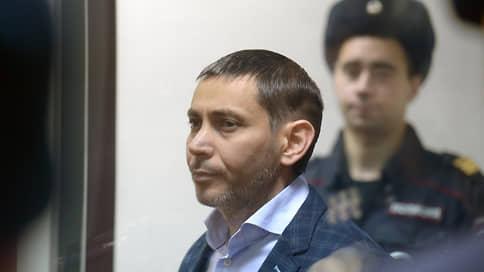Полковник сдал бандитам переписку двух министров  / Вынесен приговор по делу о коррупции в центральном аппарате МВД