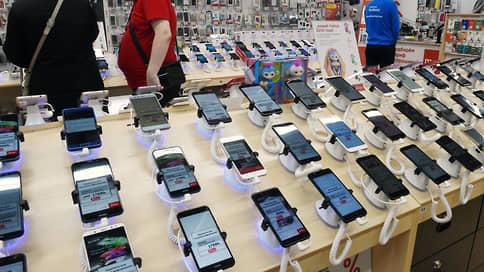 Китай зашел в остатки  / Huawei и Honor рекордно сократили поставки в Россию