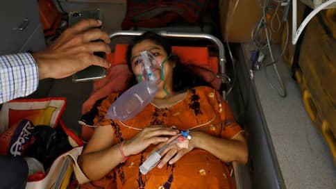 Индия охвачена пандемией помощи  / Россия, США и другие страны бросились помогать индийцам в борьбе с пандемией