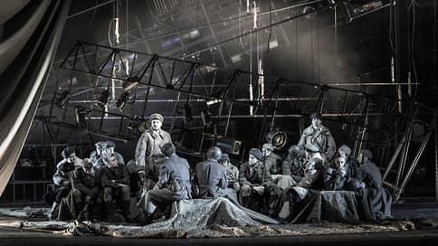 Пейзаж между битвами // «В окопах Сталинграда» в МХТ им.А.П.Чехова