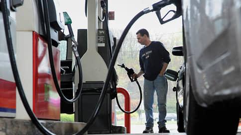 Американцы заплатят хакерский акциз  / Бензин в США дорожает после атаки на трубопровод