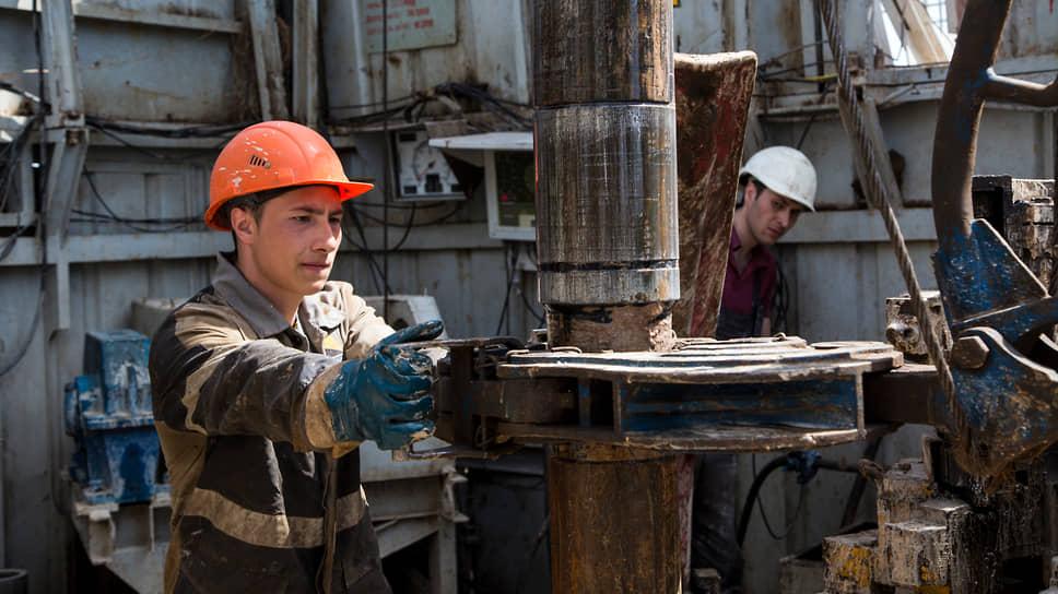 Нефть приближается к дефициту