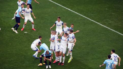 У «Оренбурга» кресла коротки  / Уральский футбольный клуб никак не может вернуться в премьер-лигу