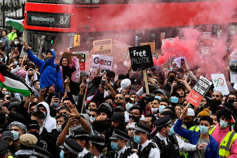 Демонстрация в поддержку палестинцев в Лондоне