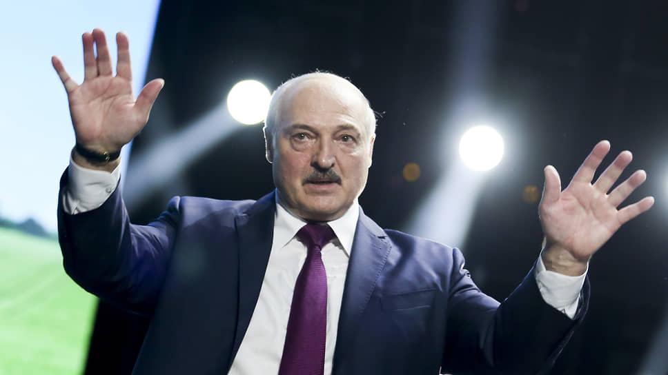 Александру Лукашенко скоро и посадить будет некого / Запад вводит новые санкции против Белоруссии за инцидент с самолетом Ryanair