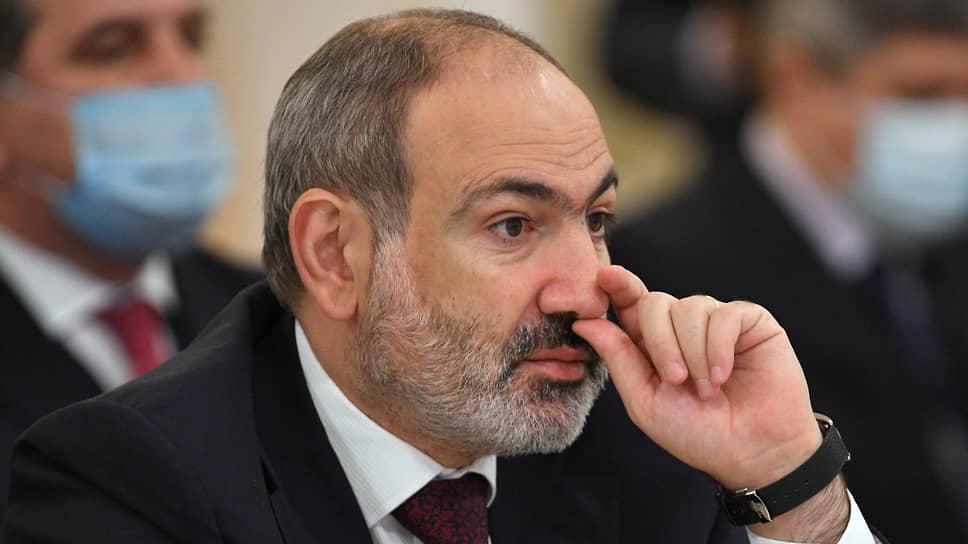 Никол Пашинян считает, что остановиться у опасной черты поможет только размещение на границе миротворцев — из России или любой другой страны—члена Минской группы ОБСЕ
