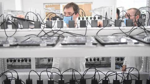 «Аврору» швартуют к смартфону  / «Марвел-Дистрибуция» выпустит телефоны на отечественной ОС