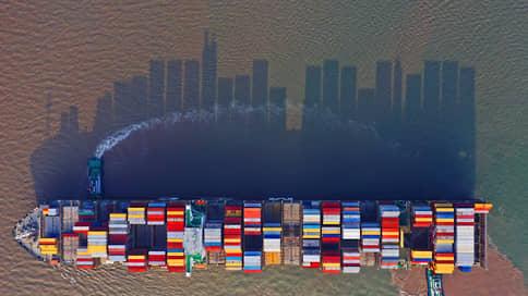 Китай заставляет контейнервничать  / Заторы в портах юга страны парализуют мировую торговлю