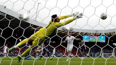 Шик и шок в Глазго  / Сборная Чехии победила шотландцев на их поле