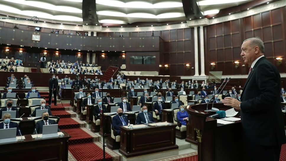 Президент Турции Реджеп Тайип Эрдоган в парламенте Азербайджана