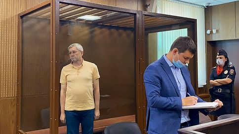 Из Ясенок  в Капотню // Бывший зампред ЦБ арестован по обвинению в растрате из Инвестбанка