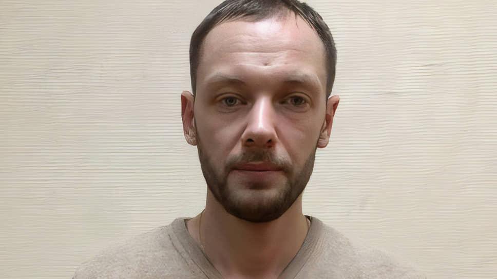 Александр Мунтян, полагают оперативники, мог наводнить всю Москву поддельными справками и сертификатами