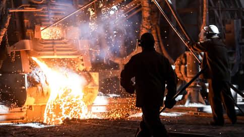 С металла сняли стружку  / Власти выполнили угрозу забрать у металлургов сверхдоходы
