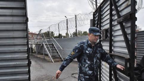Солдат устал сидеть // Ореховский киллер просит смягчить ему режим