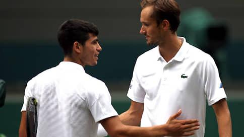 Даниил Медведев проверился молодым // Во втором круге Wimbledon он обыграл самого юного игрока первой сотни