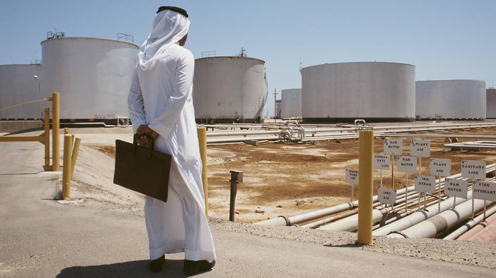 Конфликт между Саудовской Аравией и ее ближайшим союзником ОАЭ ставит под угрозу баланс на мировом рынке нефти