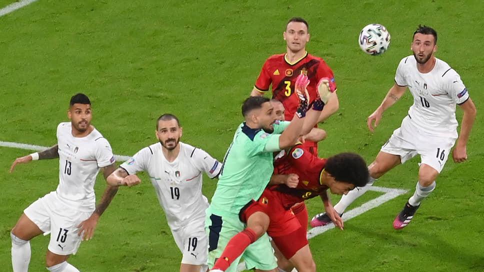 Победив на классе бельгийцев, сборная Италии (в белой форме) превратилась в одного из фаворитов чемпионата Европы