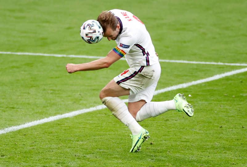 Центрфорвард сборной Англии Гарри Кейн способен доставить датской обороне массу проблем